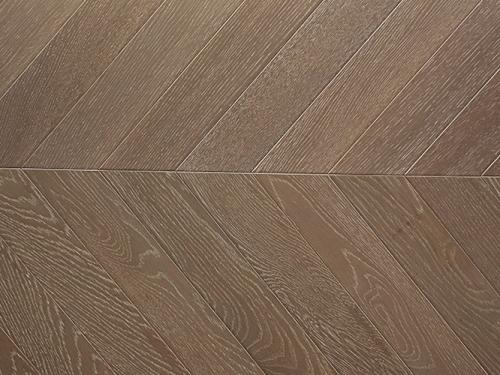 如何更好地选购橡木地板?