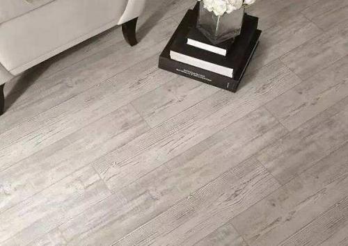 选购的桦木地板的技巧